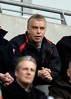 Photo: Jed Wee.<br /> Hull v Wigan Warriors. Engage Super League. 30/04/2006.<br /> <br /> Wigan coach Brian Noble looks on with a bemused expression as his team are taken apart by Hull in the first half.