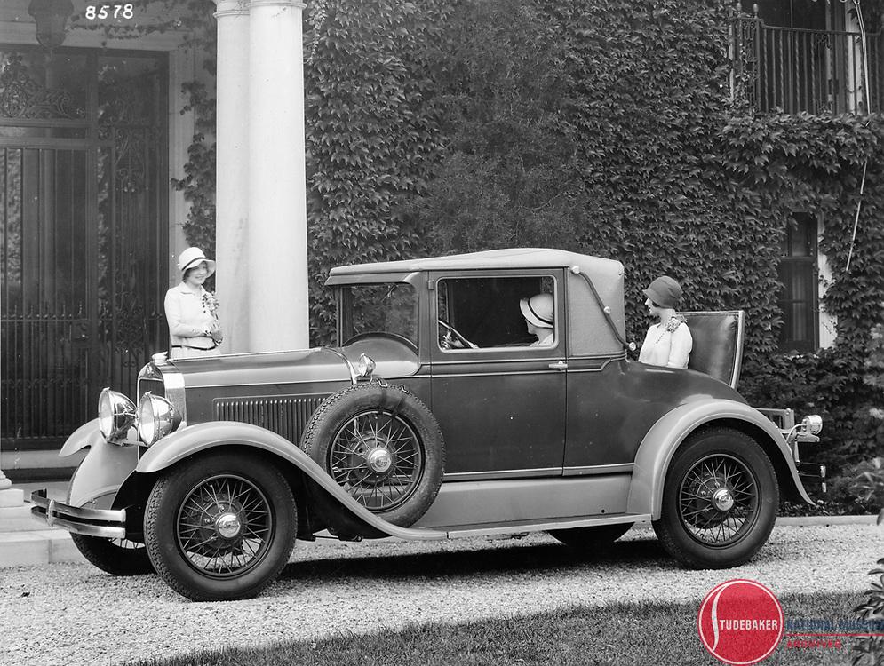 1928 Studebaker Commander Cabriolet.