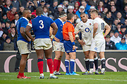 Twickenham, United Kingdom. 7th February, Referee Nigel OWENS, talks to Kyle SINCKLER, with both captaions  present, England vs France, 2019 Guinness Six Nations Rugby Match   played at  the  RFU Stadium, Twickenham, England, <br /> © PeterSPURRIER: Intersport Images