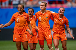 15-06-2019 FRA: Netherlands - Cameroon, Valenciennes<br /> FIFA Women's World Cup France group E match between Netherlands and Cameroon at Stade du Hainaut / Vivianne Miedema #9 of the Netherlands scores 1-0, Lieke Martens #11 of the Netherlands, Daniëlle van de Donk #10 of the Netherlands, Desiree van Lunteren #2 of the Netherlands