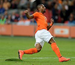 04-06-2014 NED: Vriendschappelijk Nederland - Wales, Amsterdam<br /> Nederland wint met 2-0 van Wales / Jeremain Lens , grasmat, gras, veld
