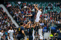 Argentina Lock (#5) Patricio Albacete (Toulouse) wins a lineout against England Lock (#4) Joe Launchbury (London Wasps)  during the first half of the match - Photo mandatory by-line: Rogan Thomson/JMP - Tel: Mobile: 07966 386802 09/11/2013 - SPORT - RUGBY UNION -  Twickenham Stadium, London - England v Argentina - QBE Autumn Internationals.