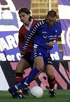 Fotball: 24.04.2001 Darmstadt, Deutschland,<br />Fussball Testspiel Darmstadt 98 - Eintracht Frankfurt,<br />Frankfurts Tommy Berntsen gegen Darmstadts Boris Kolb.<br /><br />Foto: Digitalsport