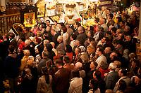 20.04.2014 Bialystok Nocne nabozenstwo w prawoslawnej archikatedrze sw Mikolaja ktoremu przewodniczyl prawoslawny arcybiskup Jakub fot Michal Kosc / AGENCJA WSCHOD