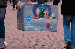 Christmas shopping; Reading; Dec,2008 UK