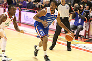 DESCRIZIONE : Campionato 2015/16 Giorgio Tesi Group Pistoia - Acqua Vitasnella Cantù<br /> GIOCATORE : Hall Langston <br /> CATEGORIA : Palleggio<br /> SQUADRA : Acqua Vitasnella Cantù<br /> EVENTO : LegaBasket Serie A Beko 2015/2016<br /> GARA : Giorgio Tesi Group Pistoia - Acqua Vitasnella Cantù<br /> DATA : 08/11/2015<br /> SPORT : Pallacanestro <br /> AUTORE : Agenzia Ciamillo-Castoria/S.D'Errico<br /> Galleria : LegaBasket Serie A Beko 2015/2016<br /> Fotonotizia : Campionato 2015/16 Giorgio Tesi Group Pistoia - Sidigas Avellino<br /> Predefinita :