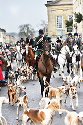 © Licensed to London News Pictures. 26/12/2014. Charles Frampton leads the Heythrop Hunt on Boxing Day in Chipping Norton Oxfordshire. Photo credit : MARK HEMSWORTH/LNP