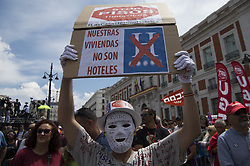 May 1, 2019 - Madrid, Spain - Thousands of Spanish workers marched through the streets of Madrid today May 1, 2019, to protest against job insecurity, youth unemployment and celebrate the triumph of the left in the general elections of Spain. (Credit Image: © Patricio Realpe/NurPhoto via ZUMA Press)