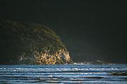 Rocky coast on Doughboy Bay, The Southern Circuit, Stewart Island / Rakiura, New Zealand Ⓒ Davis Ulands | davisulands.com
