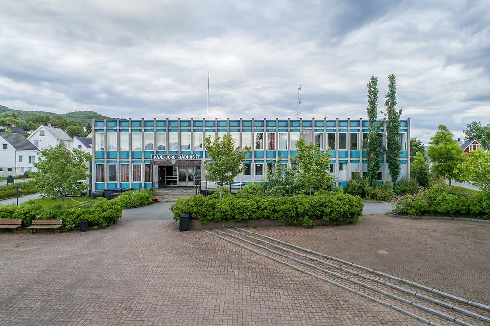 Kvæfjord kommune ligger i Troms. Den er den vestligste kommunen i fylket. Det meste av kommunen ligger på Hinnøya.