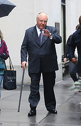 "Russell Crowe in full prosthetic fat suit, make-up and costume where he will play Roger Ailes for his upcoming TV series ""The Loudest Voice in the Room"" filming in Midtown Manhattan. 06 Nov 2018 Pictured: Russell Crowe. Photo credit: LRNYC / MEGA TheMegaAgency.com +1 888 505 6342"