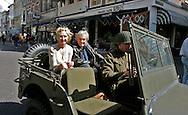 """THE NETHERLANDS-THE HAGUE-  August 8, 2005. Cast and crew of the Dutch film 'Zwartboek'. Actress Carice van Houten (L) and director Paul Verhoeven. PHOTO: GERRIT DE HEUS..Den Haag. 26/08/05. De cast en crew van de Nederlandse film """"Zwartboek"""" op het Plein in Den Haag. Carice van Houten(L) en regisseur Paul Verhoeven."""