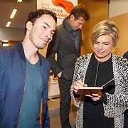 NLD/de Meern/20151009 - Voorleesactie prinses Laurentien + Jan Terlouw boek 'Kapsones', dj Gregor Saltor en prinses Laurentien