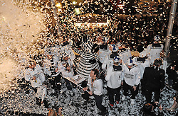 05.06.2010, Rathaus, Kiel, GER, 1. HBL, Champions Party THW Kiel, im Bild Jubel beim THW Kiel nach dem Gewinn von Champions League und Deutscher Meisterschaft   EXPA Pictures © 2010, PhotoCredit: EXPA/ nph/  Frisch / SPORTIDA PHOTO AGENCY