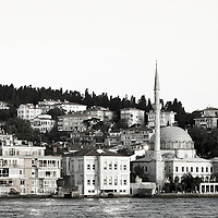 Istanbul, Turkey 06 July 2005<br /> Beylerbeyi mosque, in front of the Bosphorus. Beylerbeyi is a small neighborhood in Uskudar district of Istanbul, on the Asian shores of the city. <br /> Photo: Ezequiel Scagnetti