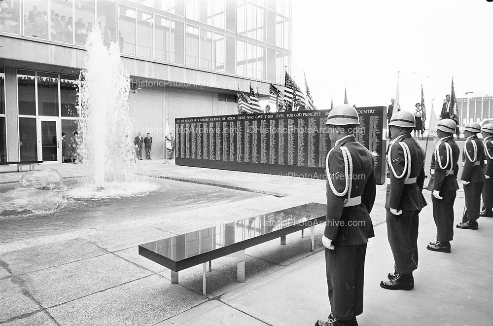 Y-620930.  Memorial Coliseum. Dedication of War Memorial. September 30, 1962.