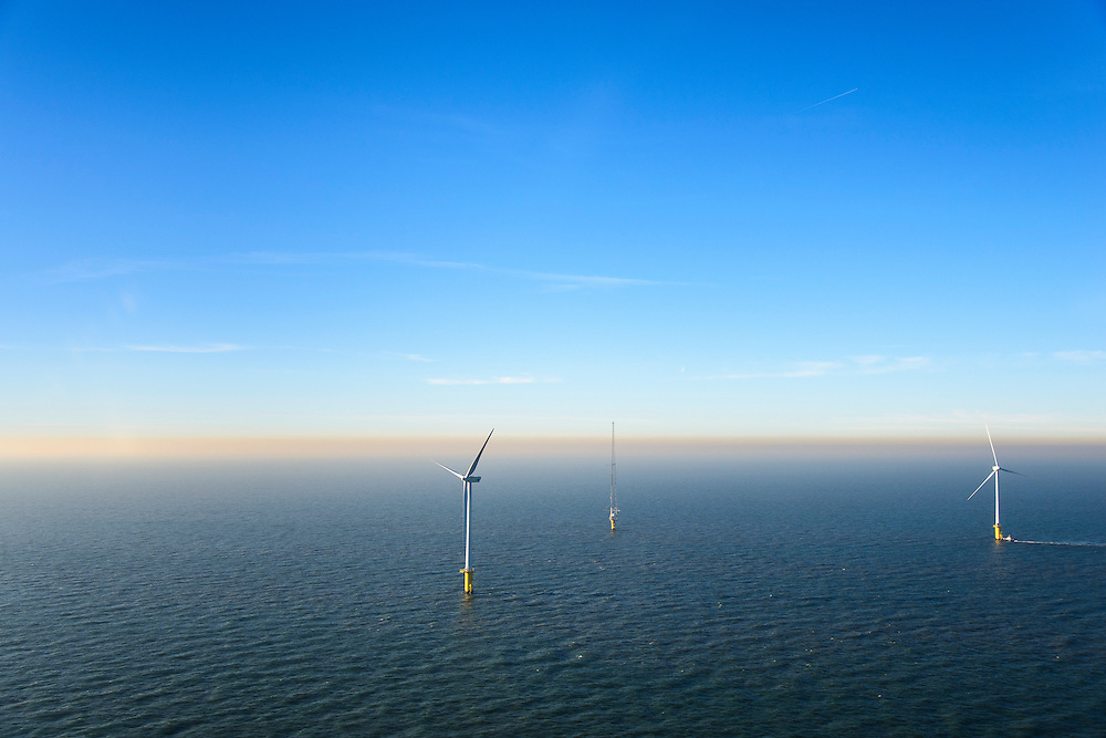 Nederland, Noord-Holland, IJmuiden, 11-12-2013; detail offshore Prinses Amaliawindpark. Turbine en radar mast. Het park telt in totaal  60 windturbines en is gebouwd door Eneco en Econcern. Het windmolenpark ligt 23 km uit de kust bij IJmuiden (blok Q7 van het Nederlands continentaal plat).<br /> The Princess Amalia offshore Wind Farm consists of 60 wind turbines and is located in block Q7 of the Dutch Continental Shelf, 23 km from the shore.<br /> luchtfoto (toeslag op standaard tarieven);<br /> aerial photo (additional fee required);<br /> copyright foto/photo Siebe Swart.