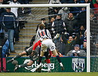 Photo: Steve Bond/Sportsbeat Images.<br />West Bromwich Albion v Charlton Athletic. Coca Cola Championship. 15/12/2007. Zoltan Gera's (11) header hits the roof of the net to put West Brom 3-2 up