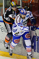 09.10.2011, Eisstadion Liebenau, Graz, AUT, EBEL, Graz 99ers vs EC VSV, im Bild Matthias Iberer, (99ers, #15), Craig Weller, (VSV, #12) // during the ice hockey game between Graz 99ers and EC VSV at the Eisstadion Liebenau, Graz, Austria, 2011/10/09, EXPA Pictures © 2011, PhotoCredit: EXPA/ S. Zangrando