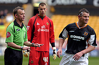 Photo: Ed Godden/Sportsbeat Images.<br />Wolverhampton Wanderers v Hull City. Coca Cola Championship. 09/04/2007. Referee Phil Joslin has words with Hull's Dean Windass.