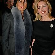 NLD/Zaandam/20060308 - Modeshow Monique Collignon 2006, Sylvia Töth en Anita van der Hoeven