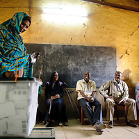 Omdurman, Sudan 15 April 2010.Scene in a polling station during the presidential elections in Sudan..Photo: Ezequiel Scagnetti