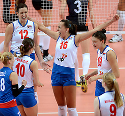 01-10-2014 ITA: World Championship Volleyball Servie - Nederland, Verona<br /> Nederland verliest met 3-0 van Servie en is kansloos voor plaatsing final 6 / Jelena Nikolic, Milena Rasic, Tijana Boskovic