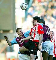 Photo Aidan Ellis.<br />West Ham United v Sunderland (FA Barclaycard Premiership) 22/03/03.<br />West Ham's Steve lomas and Sunderland's kevin Kilbane
