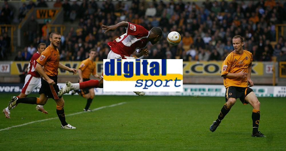 Photo: Steve Bond/Sportsbeat Images.<br /> Wolverhampton Wanderers v Bristol City. Coca Cola Championship. 03/11/2007. Marvin Elliott (C) heads for goal