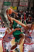 DESCRIZIONE : Varese Lega A 2011-12 Cimberio Varese Montepaschi Siena Quarti di Finale Play off gara 3<br /> GIOCATORE : Lester Bo Mc Calebb<br /> CATEGORIA : Tiro Penetrazione<br /> SQUADRA : Montepaschi Siena<br /> EVENTO : Campionato Lega A 2011-2012 Quarti di Finale Play off gara 3 <br /> GARA : Cimberio Varese Montepaschi Siena<br /> DATA : 21/05/2012<br /> SPORT : Pallacanestro <br /> AUTORE : Agenzia Ciamillo-Castoria/G.Cottini<br /> Galleria : Lega Basket A 2011-2012  <br /> Fotonotizia : Varese Lega A 2011-12 Cimberio Varese Montepaschi Siena Quarti di Finale Play off gara 3<br /> Predefinita :