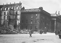 The ruins of the Metropole Hotel on Sackville (O'Connell) St after it was destroyed by fire during the Rising. This site is now occupied by Penneys.<br />  (Part of the Independent Newspapers Ireland/NLI Collection)