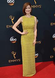 Ellie Kemper bei der Verleihung der 68. Primetime Emmy Awards in Los Angeles / 180916<br /> <br /> *** 68th Primetime Emmy Awards in Los Angeles, California on September 18th, 2016***
