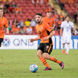 BRISBANE, AUSTRALIA - APRIL 12: Brandon Borrello of the Roar passes the ball during the Asian Champions League Group Stage match between the Brisbane Roar and Kashima Antlers at Suncorp Stadium on April 12, 2017 in Brisbane, Australia. (Photo by Patrick Kearney/Brisbane Roar)