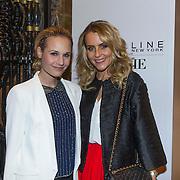 NLD/Amsterdam/20140313 - Modeshow Danie Bles 2014, Kimberly Klaver en schoonzus Floor Schothorst, Frau Antje in Duitsland