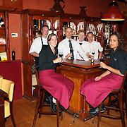 NLD/Bilthoven/20070817 - personeel en Ronald van Schaik van het Wijn en Spijslokaal Emmaplein 11 Bilthoven