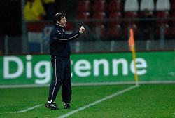 09-05-2007 VOETBAL: PLAY OFF: UTRECHT - RODA: UTRECHT<br /> In de play-off-confrontatie tussen FC Utrecht en Roda JC om een plek in de UEFA Cup is nog niets beslist. De eerste wedstrijd tussen beide in Utrecht eindigde in 0-0 / Raymond Atteveld coach trainer<br /> ©2007-WWW.FOTOHOOGENDOORN.NL
