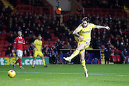 Henri Lansbury of Nottingham Forest takes a shot for goal. Skybet football league championship match, Charlton Athletic v Nottingham Forest at The Valley  in London on Saturday 2nd January 2016.<br /> pic by John Patrick Fletcher, Andrew Orchard sports photography.
