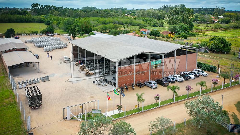 A Cia das Lareiras e Churrasqueiras há 18 anos no mercado gaúcho, é a empresa pioneira em tecnologia do concreto. A fábrica situa-se na cidade de Viamão RS e o SHOW-ROOM na cidade de Porto Alegre RS.FOTO: Jefferson Bernardes/ Agência Preview