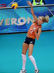28-09-2014 ITA: World Championship Volleyball Mexico - Nederland, Verona<br /> Nederland wint met 3-0 van Mexico / Manon Flier