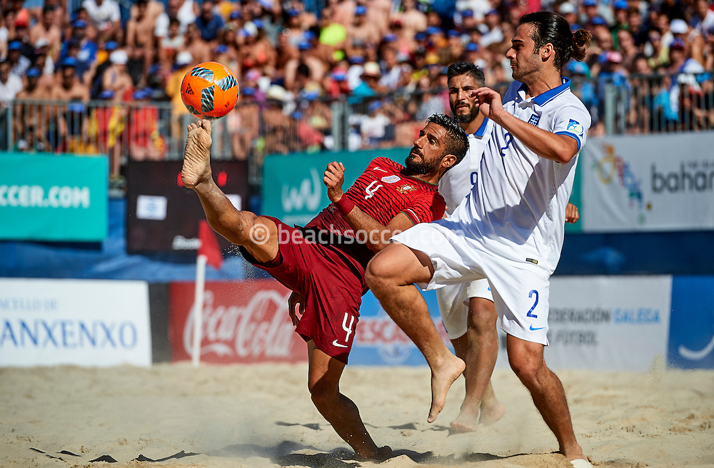 Portugal's Torres in action against Greece during the Euro Beach Soccer League 2016 in Sanxenxo. (Photo by Manuel Queimadelos)