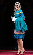 Koning Willem-Alexander reikt in het Koninklijk Paleis de Erasmusprijs uit aan de Amerikaanse componist en dirigent John Adams.<br /> <br /> King Willem-Alexander presents the Erasmus Prize to the American composer and conductor John Adams in the Royal Palace.<br /> <br /> Op de foto / On the photo:  Koningin Maxima / Queen Maxima