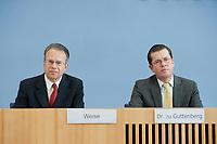 12 APR 2010, BERLIN/GERMANY:<br /> Frank-Juergen Weise (L), Vorstandsvorsitzender der Bundesanstalt fuer Arbeit, und Karl-Theodor zu Guttenberg (R), CDU, Bundesverteidigungsminister, waehrend einer Pressekonferenz zur Vorstellung der Strukturkommission der Bundeswehr, Bundespressekonferenz<br /> IMAGE: 20100412-01-031<br /> KEYWORDS: Frank-Jürgen Weise
