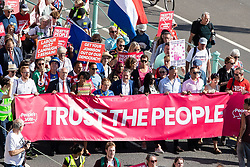 © Licensed to London News Pictures . 21/09/2019. Brighton, UK. LLOYD RUSSELL-MOYLE , EMILY THORNBERRY, KEIR STARMER and CAROLINE LUCAS lead the march . Thousands attending a march organised by the People's Vote for a second EU referendum on Brexit pass through Brighton and along the Promenade during the first day of the 2019 Labour Party Conference from the Brighton Centre . Photo credit: Joel Goodman/LNP