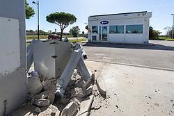 LADRI FURTO ASSALTO DISTRIBUTORE DI CARBURANTE Q8 CENTRO COMMERCIALE LE VALLI BENNET PORTO GARIBALDI