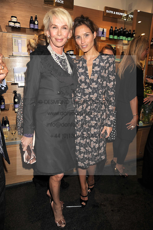 Left to right, TRUDIE STYLER and SHEHERAZADE GOLDSMITH at the Natural Beauty Honours 2008 hosted by Neal's Yard Remedies, 124b King's Road, London SW3 on 4th September 2008.<br /> <br /> NON EXCLUSIVE - WORLD RIGHTS