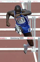 11-08-2006 ATLETIEK: EUROPEES KAMPIOENSSCHAP: GOTHENBURG <br /> Doucoure, Ladji (FRA) wist zich voor de halve finale te plaatsen voor de 110 meter horden<br /> ©2006-WWW.FOTOHOOGENDOORN.NL