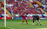 Fotball, Alveira Portugal, EM, Euro 2004, 150604, Tsjekkia - Latvia ,<br /> MARIS VERPAKOVKSKIS (LATVIA) SCORES FIRST GOAL<br /> Photo Roger Parker ,Digitalsport