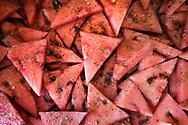 Tagesmenü 19.04.2018. gegrillte Wassermelone mit Ziegenfrischkässe und Kräuter.  loaded Merguez Hot Dog mit Spargel und Virgin Rapsöl Mayonnaise. dunkler Schokokuchen mit Erdbeeren, Majopran und Eierlikör