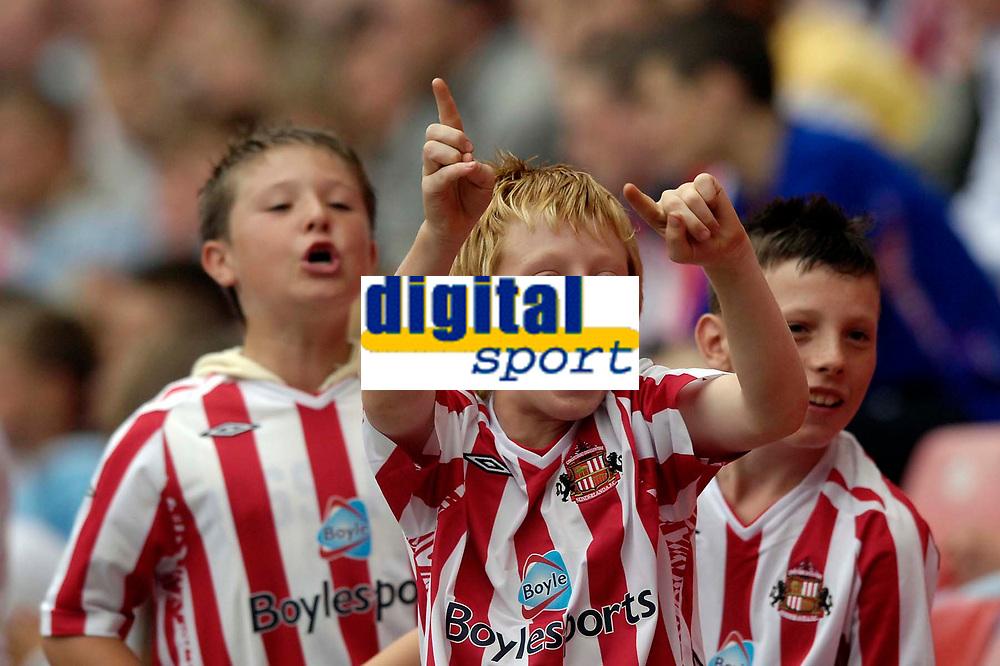Photo: Jed Wee/Sportsbeat Images.<br /> Sunderland v Juventus. Pre Season Friendly. 04/08/2007.<br /> <br /> Young Sunderland fans celebrate.