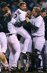 Scott Podsednik and the Chicago White Sox win Game 2, 2005